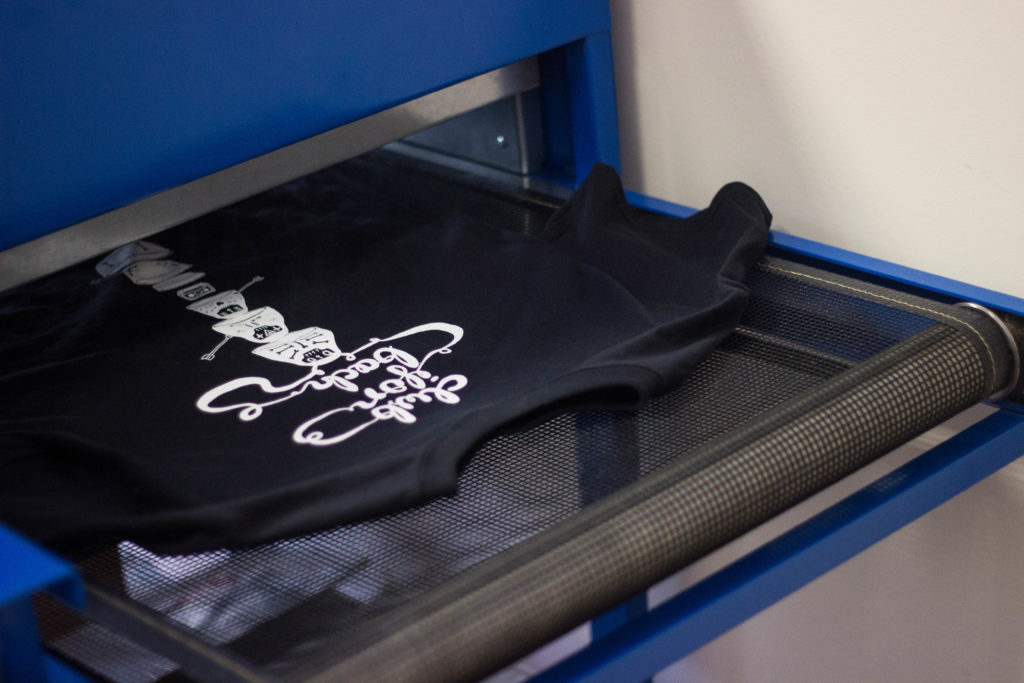 t-shirt printing screen printing, screen printed t-shirts, garments and tote bag printing for fashion brands, artists, bands, charities, clubs & teams, pubs & night clubs. branded clothing, t shirt screen printing, custom t shirt printing